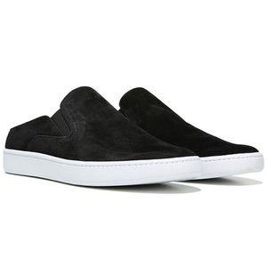 NWB VINCE. Verrell Slip On Sneaker Black